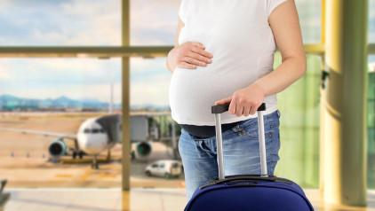 Đi máy bay có ảnh hưởng tới thai nhi không?
