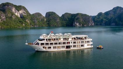 Du thuyền Alisa – Nàng công chúa giữa Vịnh Hạ Long