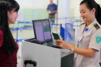 Làm thủ tục bay (check-in) tại sân bay cần những giấy tờ gì?