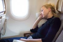 Mang thai 3 tháng đầu có nên đi máy bay không?
