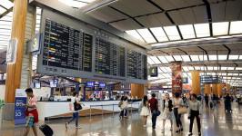 Nên ra sân bay trước bao lâu?