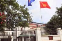 Tôi muốn liên hệ với đại sứ quán Việt Nam tại Singapore thì làm thế nào?