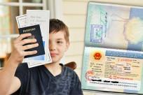 Trẻ em đi máy bay cùng người thân mà không phải bố mẹ cần thủ tục gì?