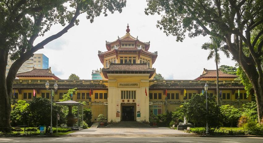 Bảo tàng lịch sử Việt Nam là địa điểm du lịch thành phố Hồ Chí Minh dành cho những du khách yêu lịch sử