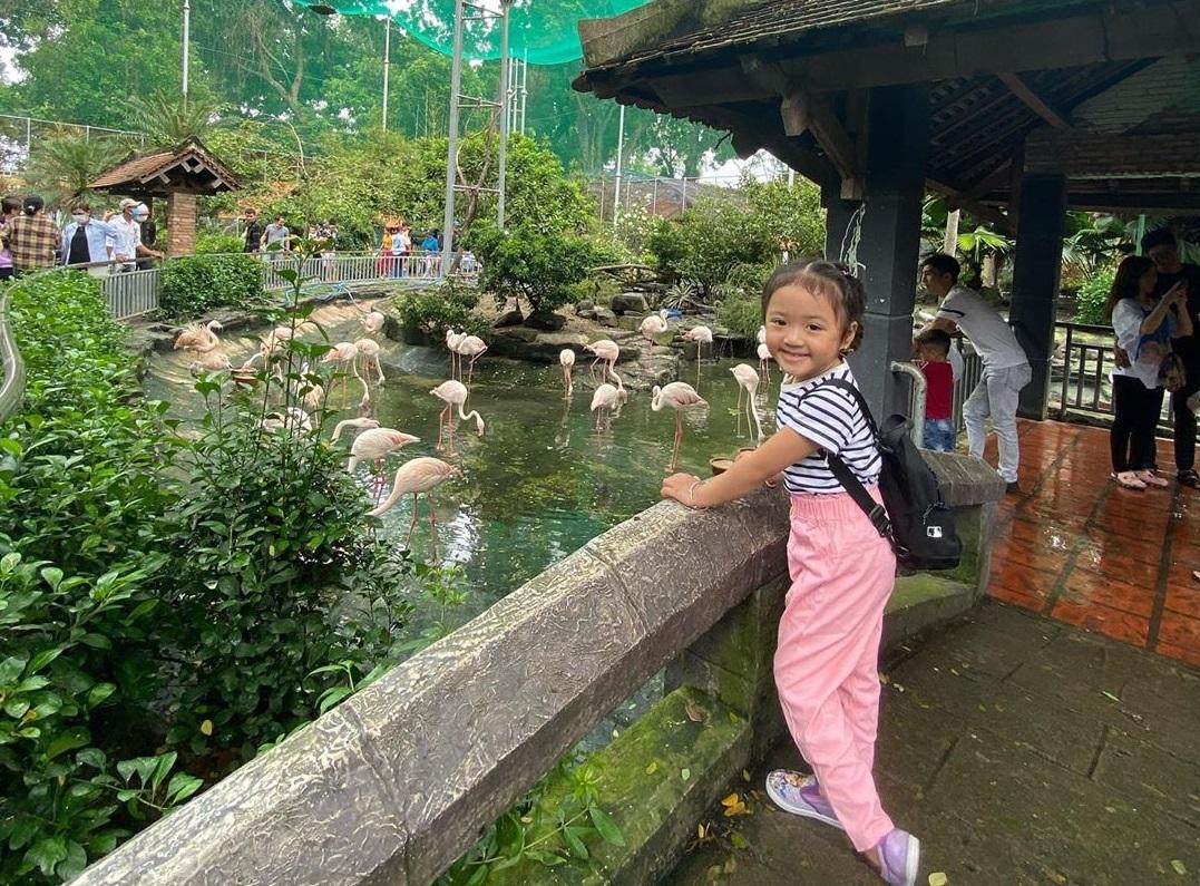 Thảo Cầm Viên là một địa điểm du lịch thành phố Hồ Chí Minh nổi tiếng phù hợp với mọi lứa tuổi