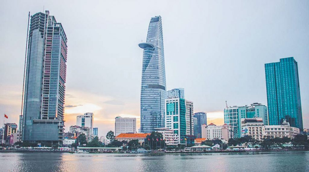 Tháp Bitexco là địa điểm du lịch thành phố Hồ Chí Minh nổi tiếng có nhiều góc check in cực đẹp