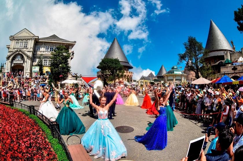 Lễ hội hóa trang Carnival - Bà Nà Hills