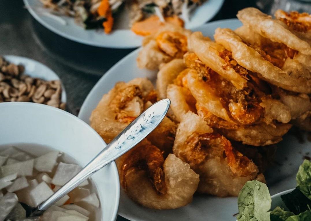 Nhà hàng bánh tôm Hồ Tây - Quán ăn ngon ở Hồ Tây Hà Nội nhất định phải thử
