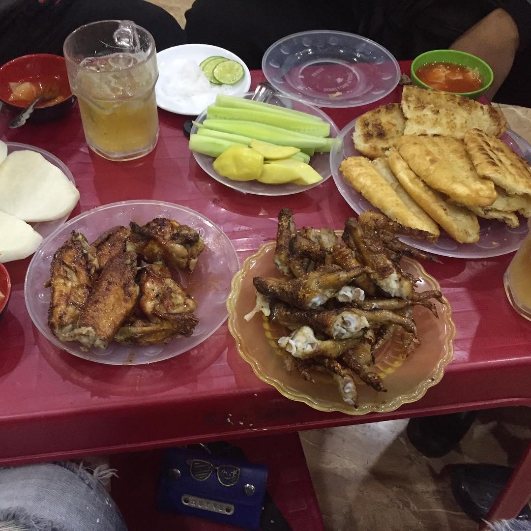 Chân gà An Viên là một trong các quán chân gà nướng ngon ở Hà Nội