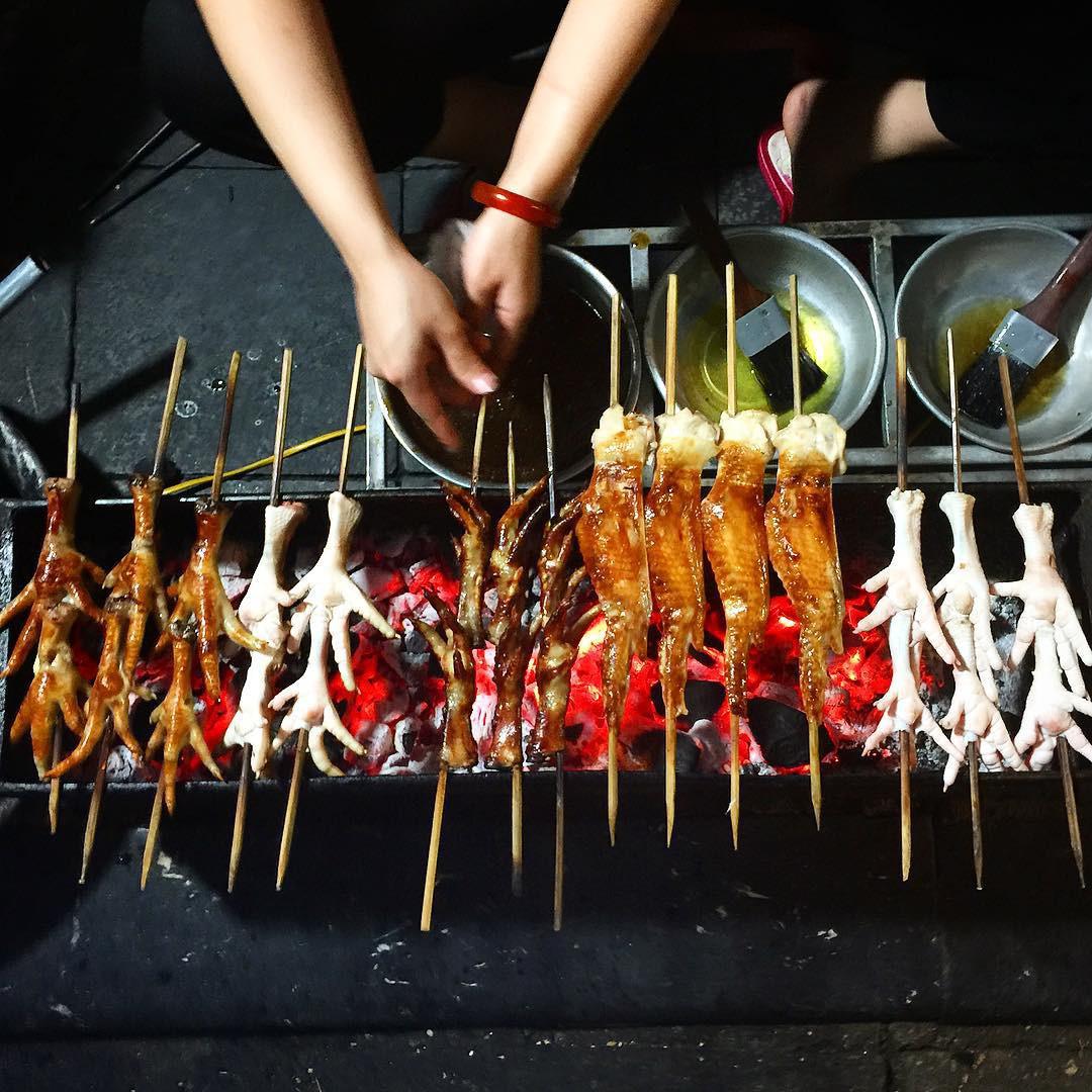 Chân gà Hàng Thùng - quán chân gà nướng ngon ở Hà Nội giá rẻ