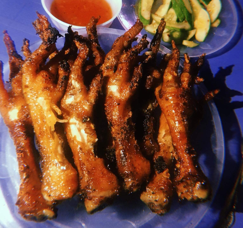 Chân gà nướng Minh Khai
