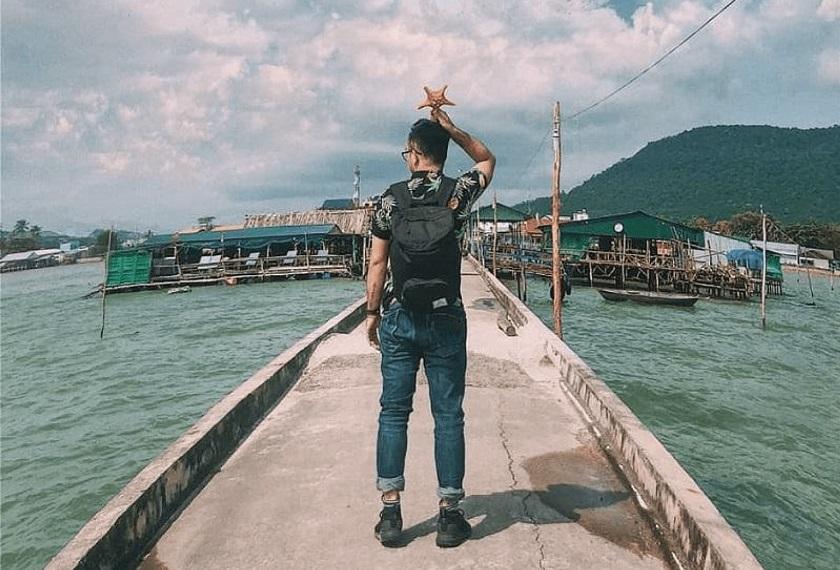 Check-in tại làng chài Hàm Ninh