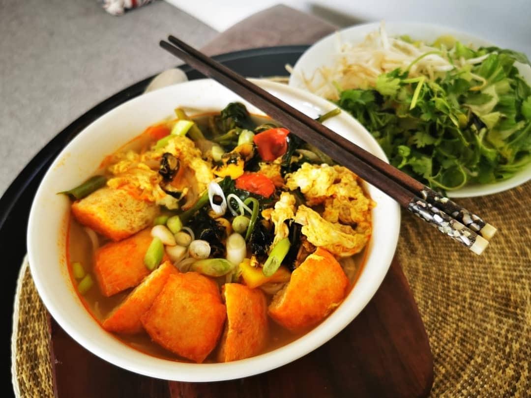 Bún ốc Hồng Ngọc là quán ăn sáng ngon ở Nha Trang có giá cả hợp lý