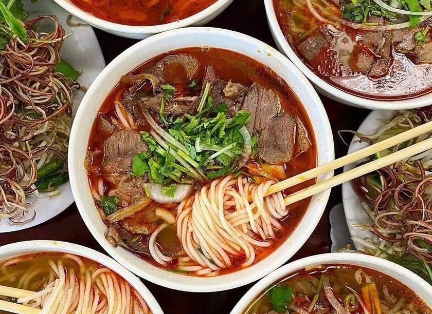 Bún bò Huế - Món ăn sáng ngon ở Nha Trang được du khách yêu thích
