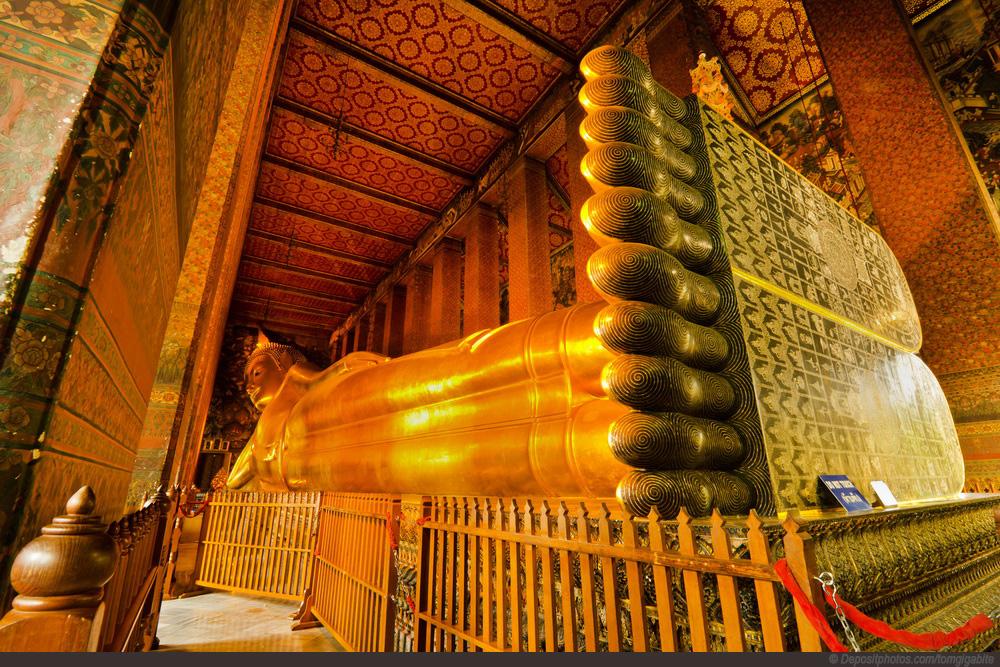 Tượng Phật tựa lưng tại chùa Wat Pho