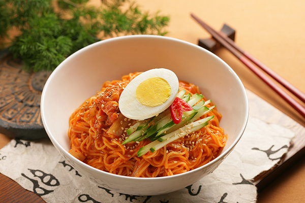 Naengmyeon – Mỳ lạnh