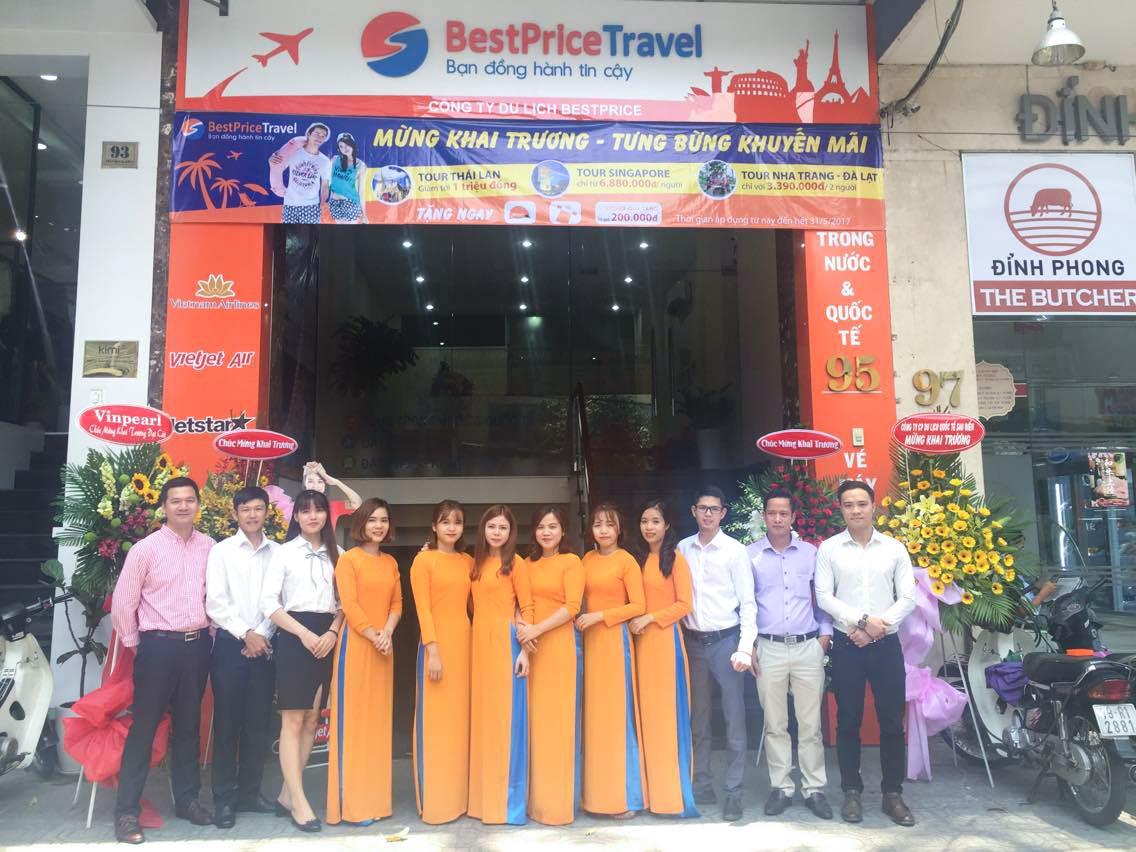 Đội ngũ nhân viên BestPrice tại văn phòng Hồ Chí Minh
