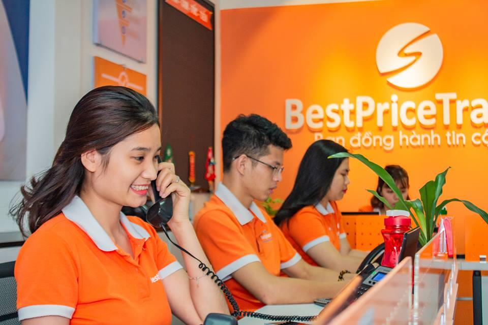 Nhân viên tư vấn của Công ty du lịch BestPrice
