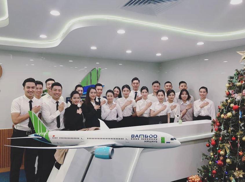 Tiếp viên hàng không của Bamboo Airways.