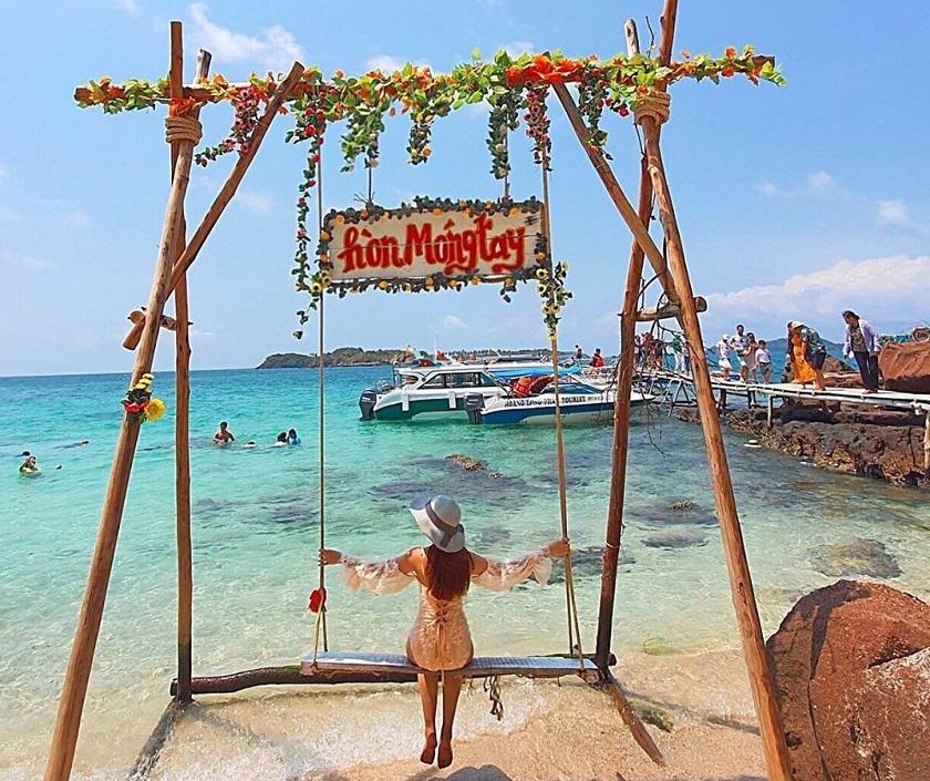 Check in tại hòn Móng Tay