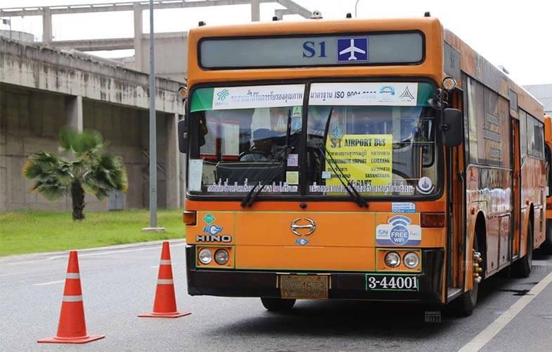 Xe bus tại sân bay