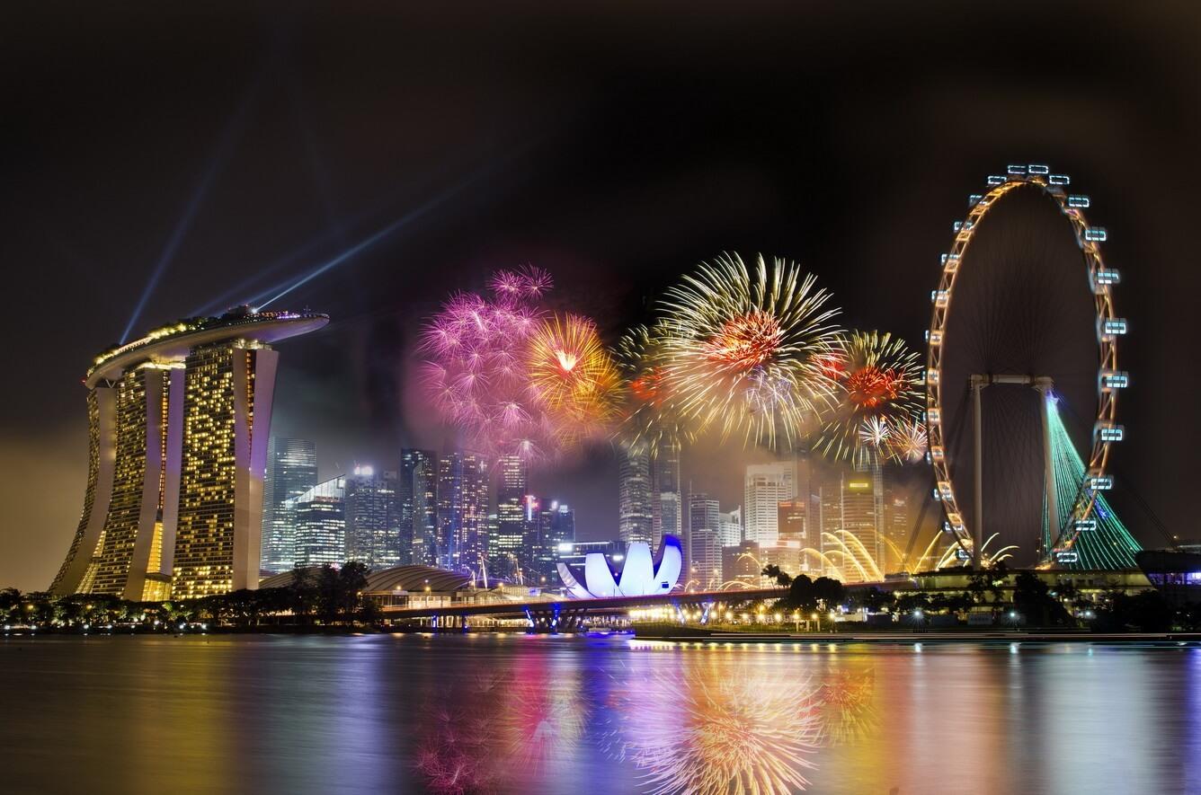 Đón pháo hoa năm mới tại Singapore