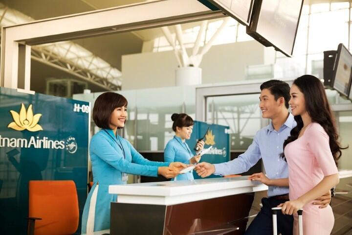 Quầy check in hãng Vietnam Airlines tại sân bay