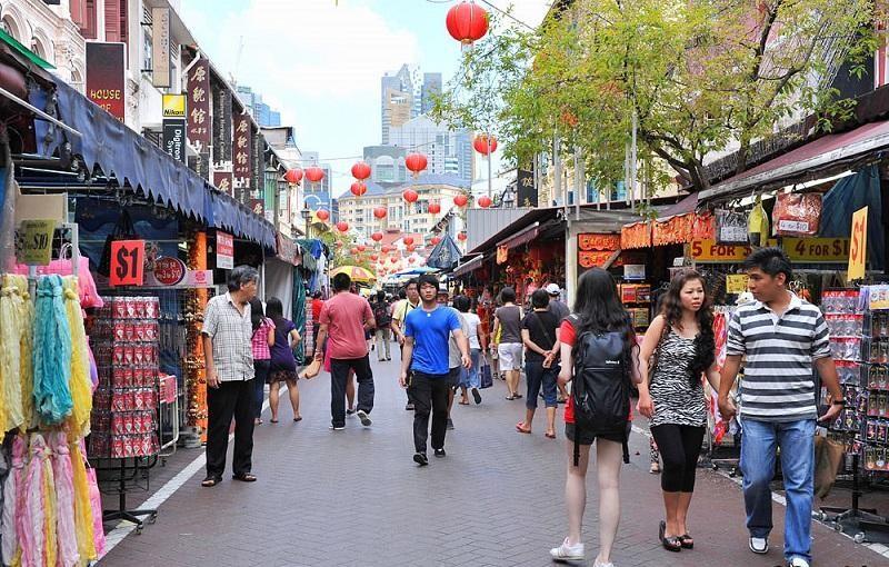 Chợ đường phố Chinatown với hơn 200 gian hàng