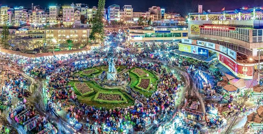 Du lịch Đà Lạt không thể bỏ qua chợ đêm là địa điểm được yêu thích nhất