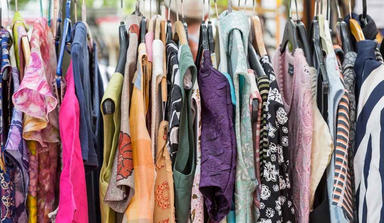 Khu bán quần áo cũ là điểm đặc biệt ở chợ đêm Đà Lạt