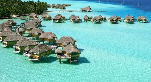 Thiên đường nghỉ dưỡng Maldives nhìn từ trên cao xuống.