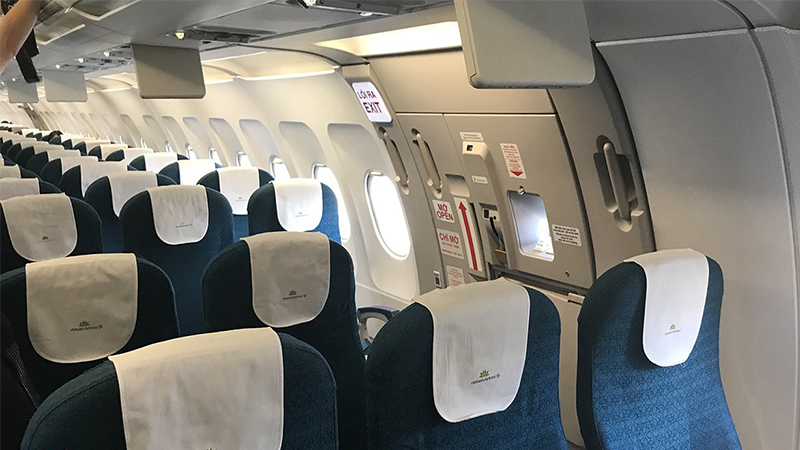 Cửa thoát hiểm trên máy bay Vietnam Airlines