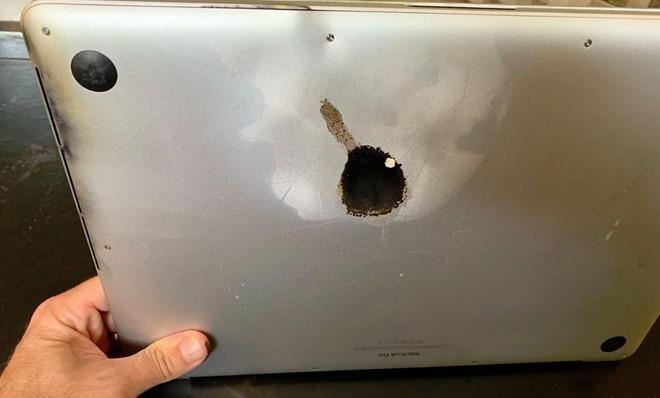 Trường hợp Macbook Pro 15 inch sản xuất và tiêu thụ từ 9/2015 - 2/2017 bị nổ