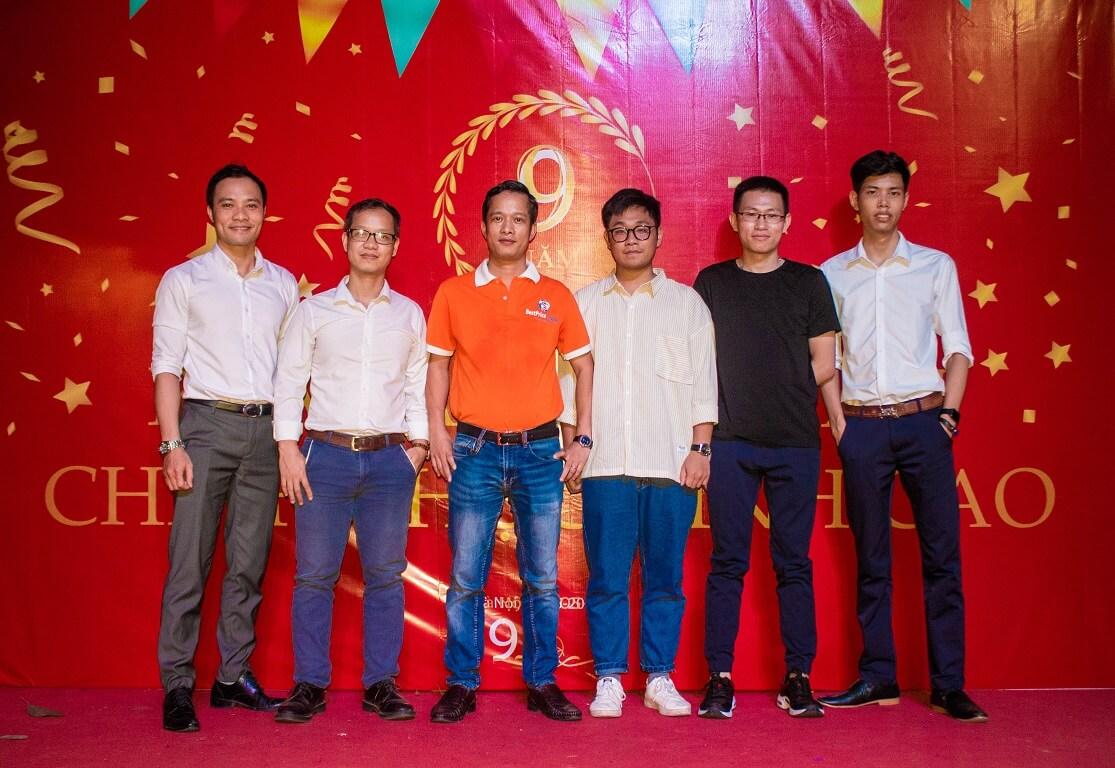 Hình ảnh bộ phận IT chi nhánh Hà Nội trong bữa tiệc