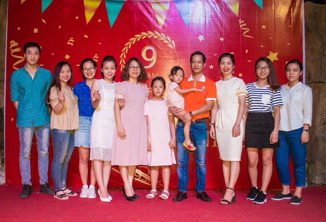 Hình ảnh bộ phận kế toán chi nhánh Hà Nội trong bữa tiệc
