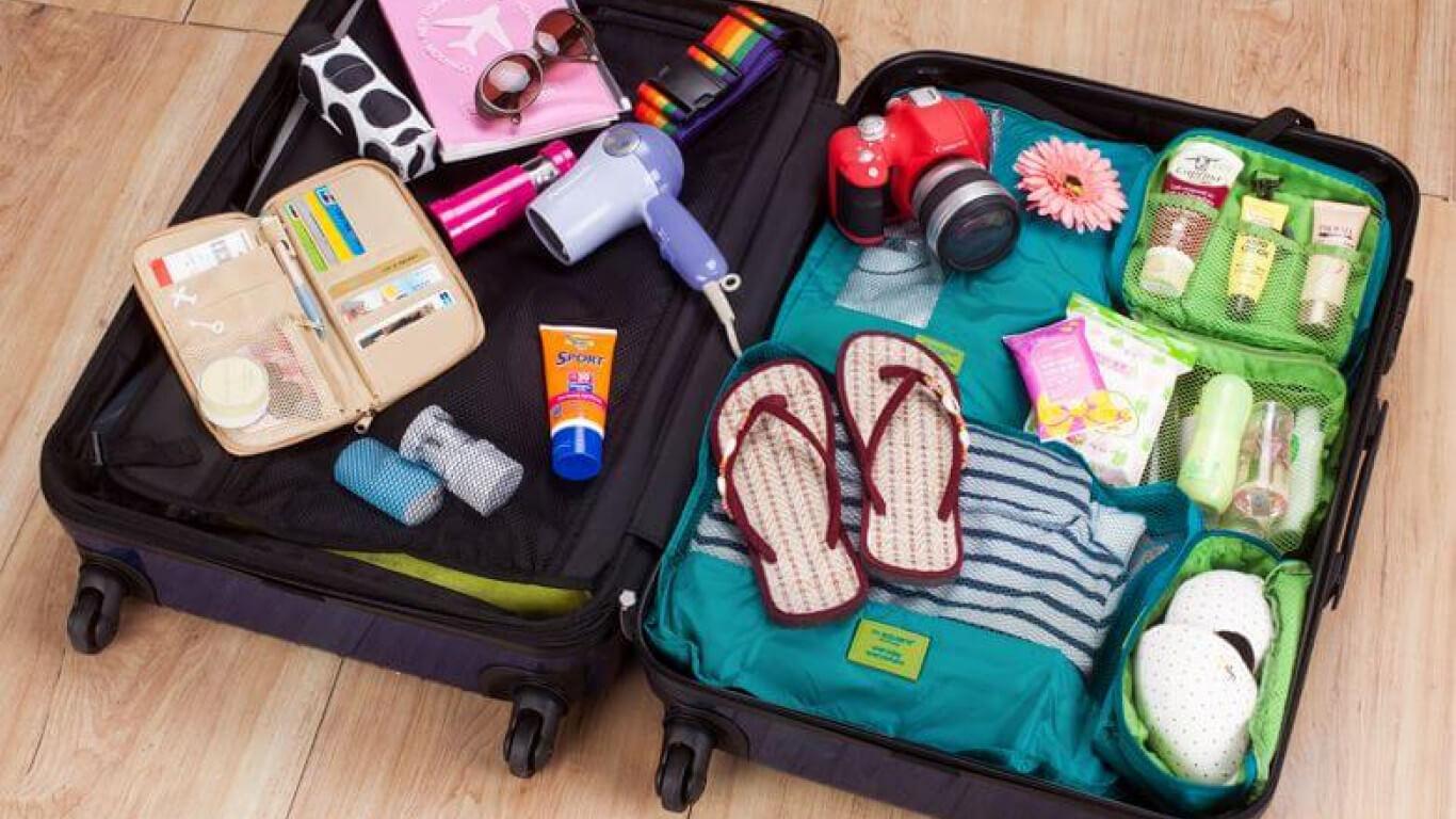 Đồ dùng cần chuẩn bị khi đi du lịch Hồ Chí Minh