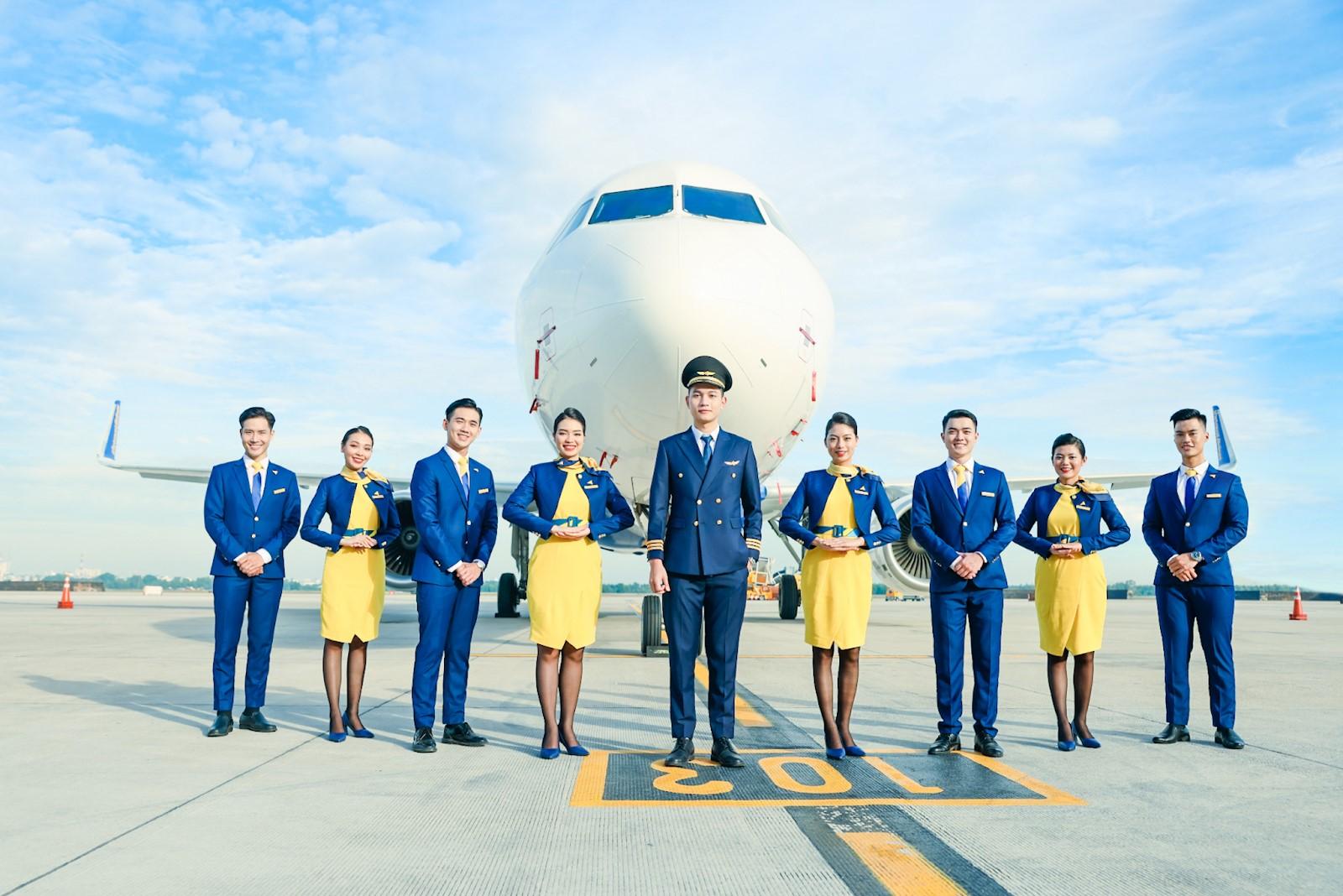 Đội ngũ tiếp viên và phi công của Vietravel Airlines