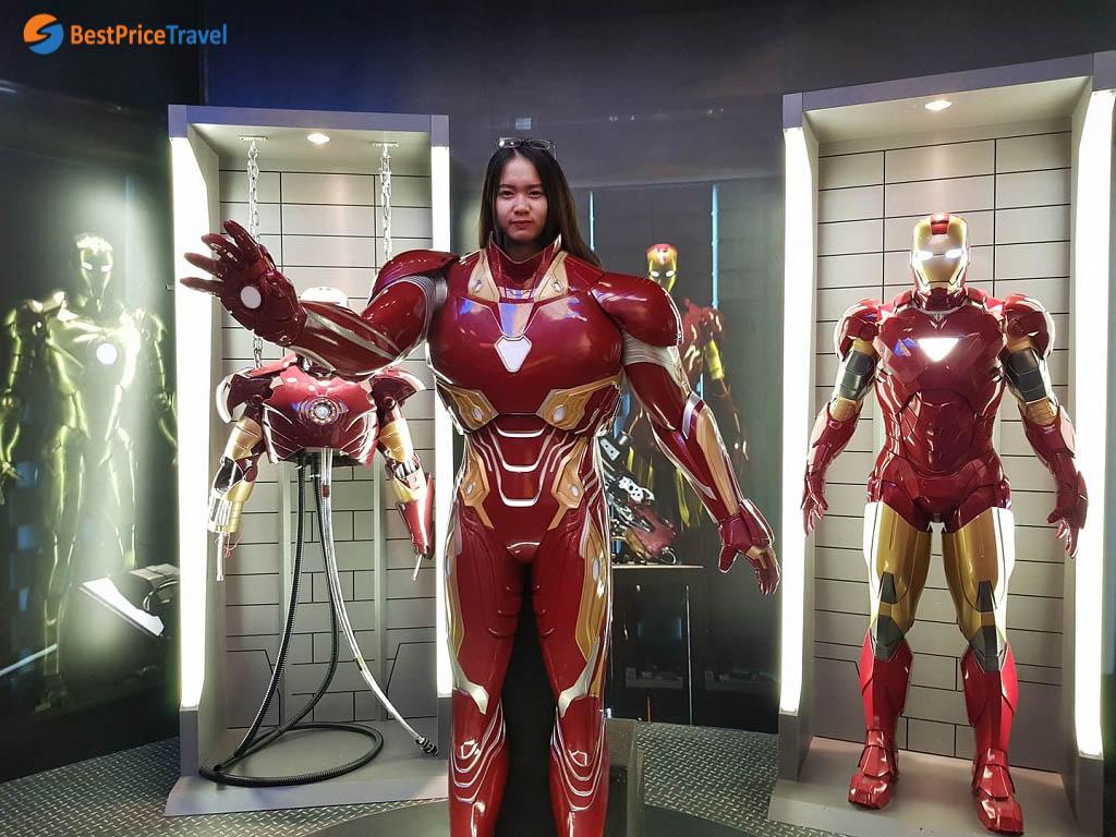 Mình đã được check in với bộ ráp siêu chất của Iron Man tại Madame Tussaud