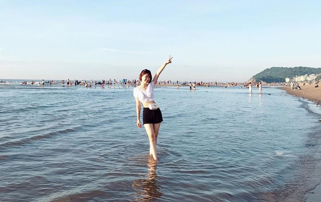 Biển Sầm Sơn là nơi du lịch biển gần Hà Nội thu hút nhiều du khách trong dịp hè