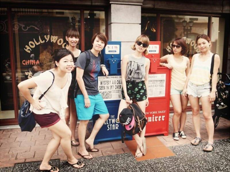Ăn mặc thoải mái là lựa chọn số 1 khi du lịch Singapore