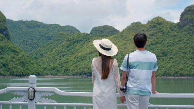 Tận hưởng Honeymoon trên du thuyền Hạ Long