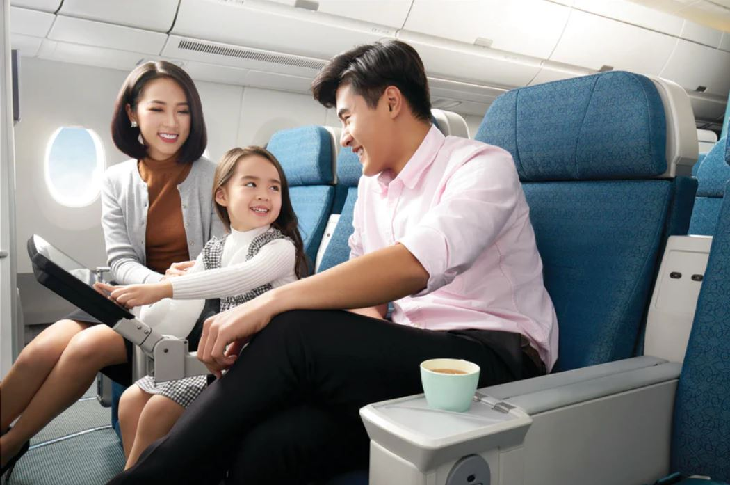 Lưu ý gì khi đặt vé máy bay cho trẻ em?