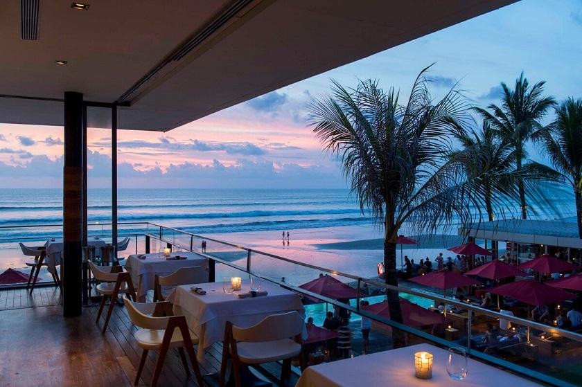View biển từ nhà hàng Xin Chào