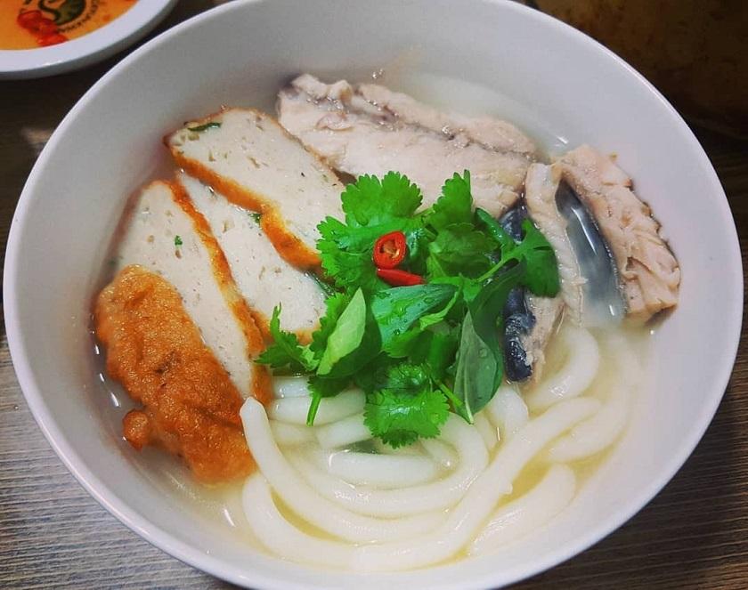 Bánh canh chả cá - Một trong các món ăn từ chả cá Nha Trang ngon nhất