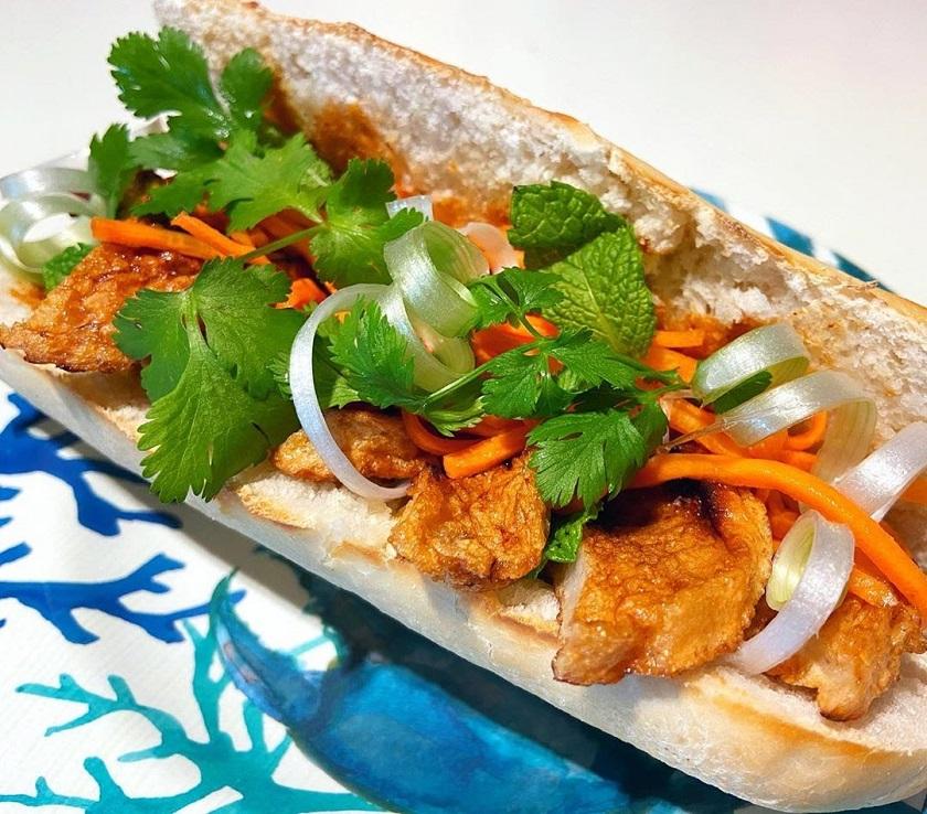 Bánh mì chả cá - Món ăn từ chả cá Nha Trang dễ làm