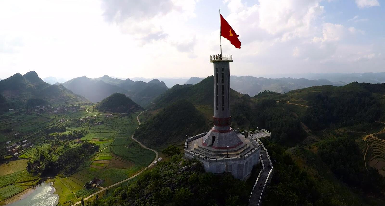 Hướng tới cột cờ Lũng Cú - Cực điểm của đất nước