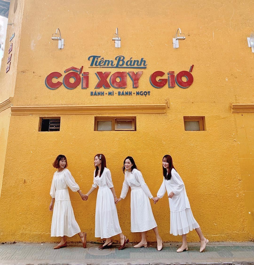 Tiệm bánh cối xay gió tại Đà Lạt