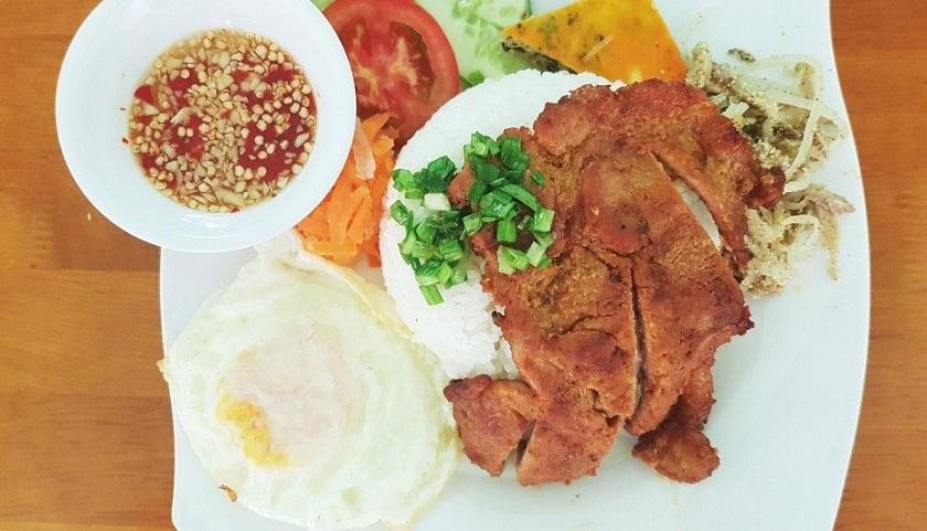 Cơm tấm sườn Cây Khói - Quán ăn ngon rẻ ở Nha Trang nên thử