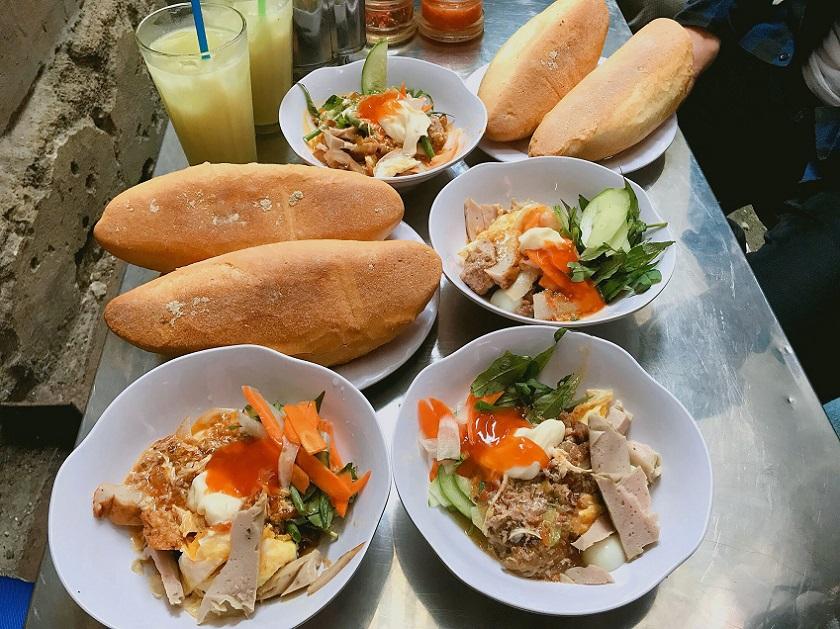 Bánh mì chấm Nha Trang