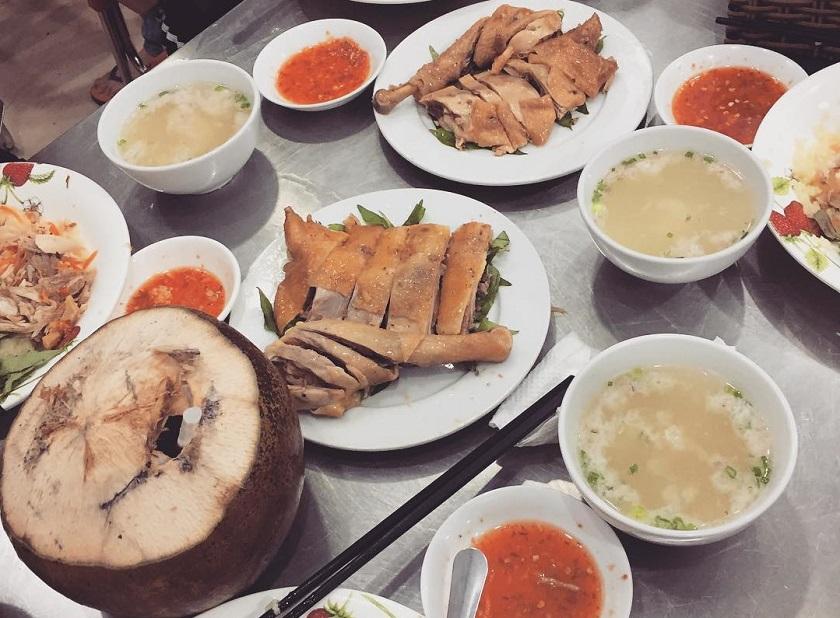 Quán cơm Việt Nam tại Nha Trang
